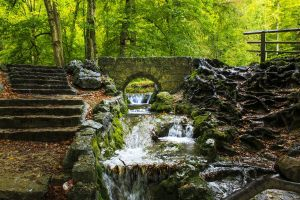 Bad-Urach-Tommy_Rau-Pixabay-creek-2825059_1280