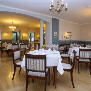 2_20-_20Fr__hst__cksrestaurant-scaled