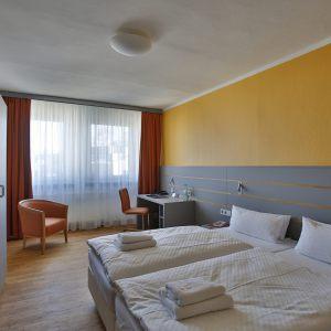 4-Hotel_20Dietrich-Bonhoeffer-Haus_20Beispiel_20Doppelzimmer_202-scaled