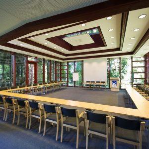Plenarsaal-Schwanenwerder_VCH-scaled