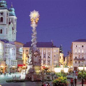 Hauptplatz_LinzcOôWerbung-Stankiewicz-scaled