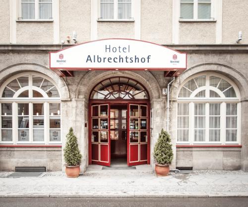 AH-HoteleingangHoteOffice