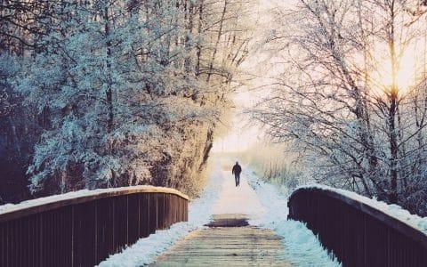 Brücke Schnee